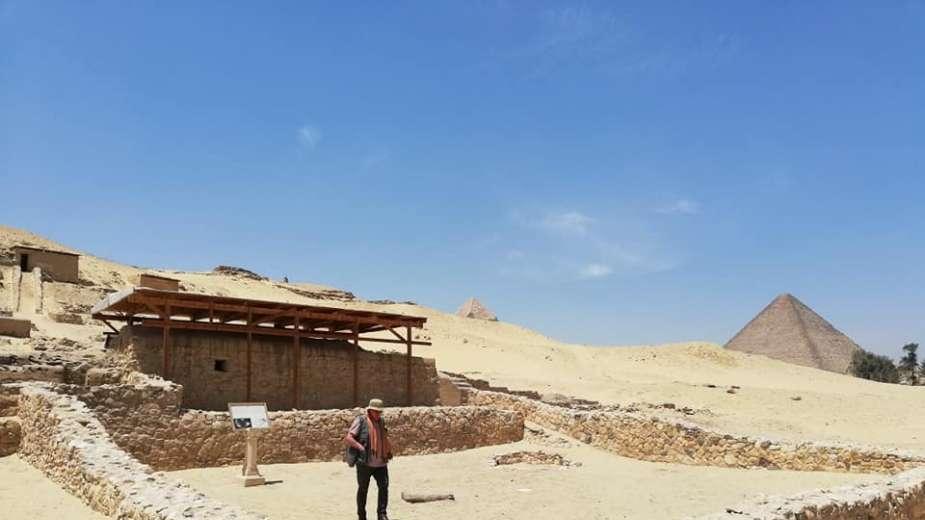 مقابر بناة الأهرام (1)