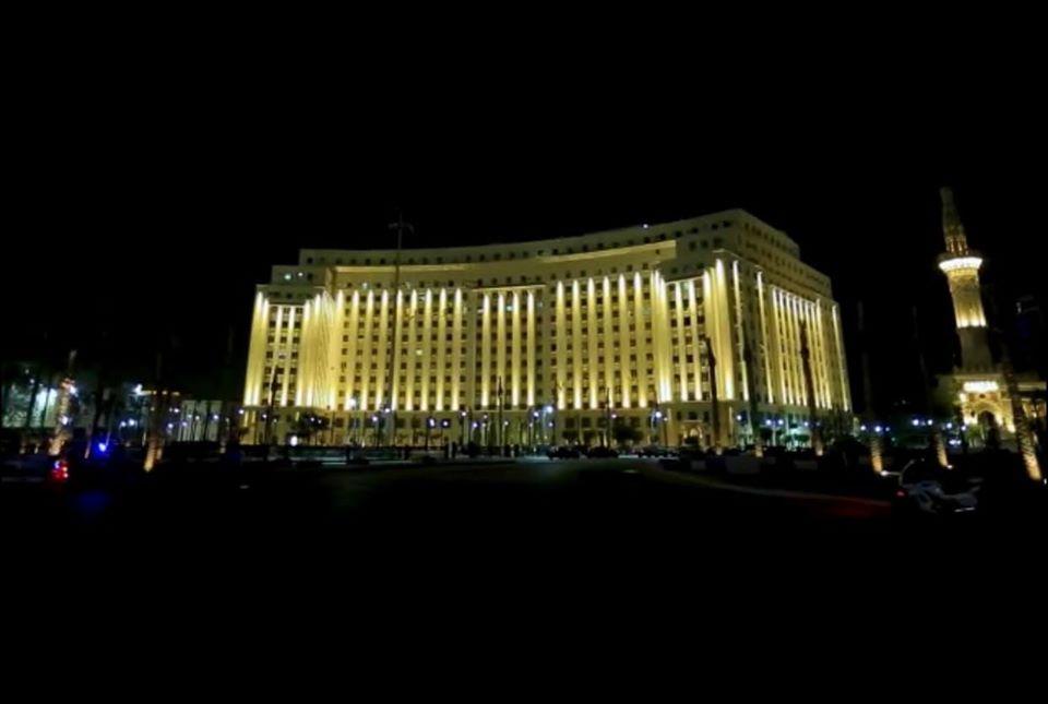 التجارب الأولية لإضاءة ميدان التحرير (6)