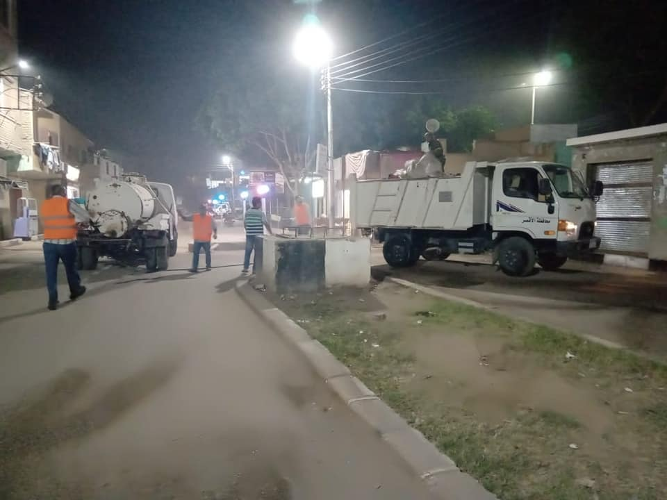 مدينة الطود تواصل حملات الرش والتعقيم ليلاً لمكافحة العدوى بكورونا