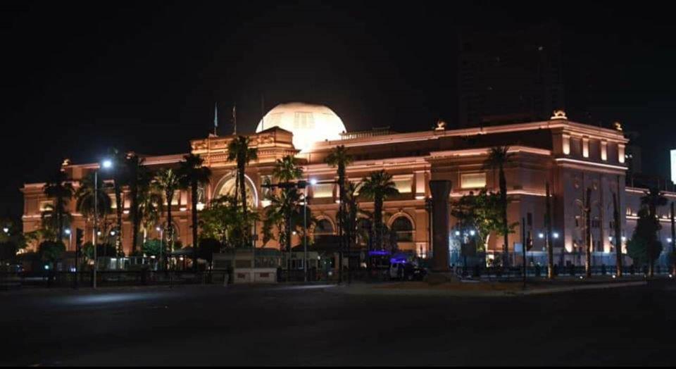 التجارب الأولية لإضاءة ميدان التحرير (3)