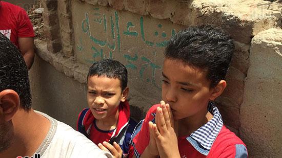 أسرة الشهيد مؤمن أبو اليزيد (4)