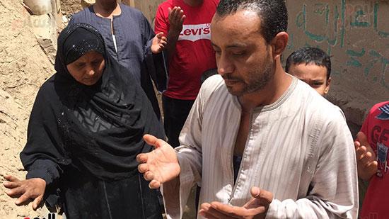 أسرة الشهيد مؤمن أبو اليزيد (7)