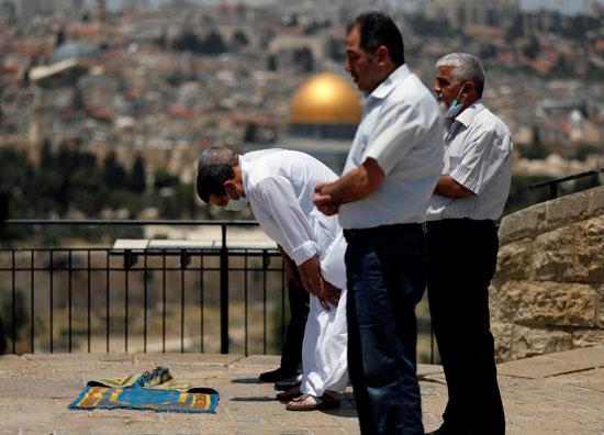 صلاة-الجمعة-فى-فلسطين