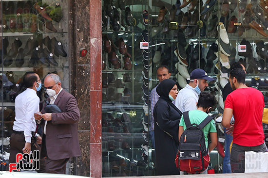 الاقبال على شراء ملابس العيد (3)
