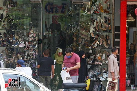 الاقبال على شراء ملابس العيد (2)