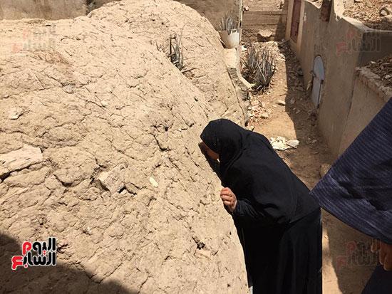 أسرة الشهيد مؤمن أبو اليزيد (6)