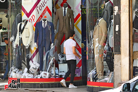اقبال المواطنيين على شراء ملابس عيد الفطر المبار (3)