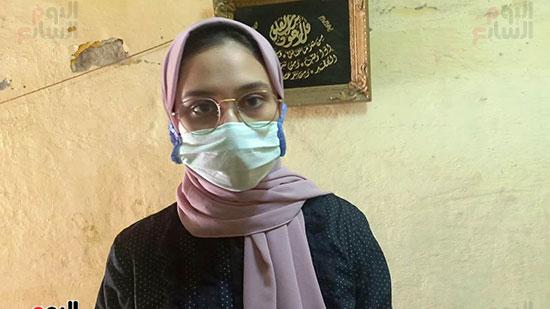38367-أسرة-الممرضة-صفاء-محمد-بالإسكندرية-تتسلم-هدية-الرئيس-(7)