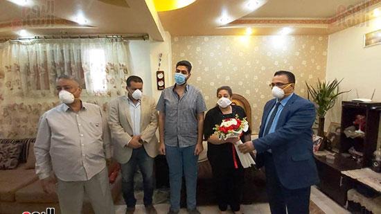 أسرة الدكتور أشرف عدلى بقنا شهيد فيروس كورونا (6)