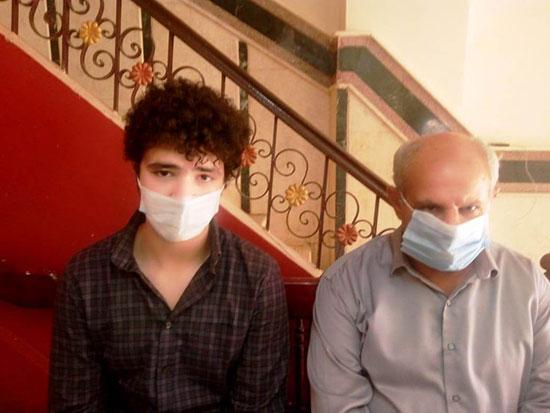 46127--أسرة-الدكتور-أحمد-دارز-بالشرقية-تتسلم-هدية-الرئيس-(6)