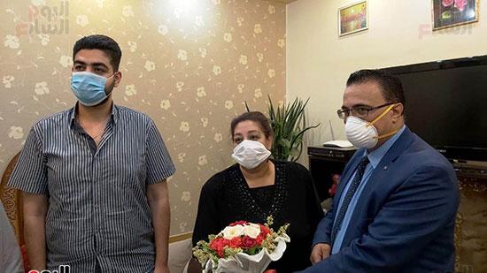 أسرة الدكتور أشرف عدلى بقنا شهيد فيروس كورونا (7)