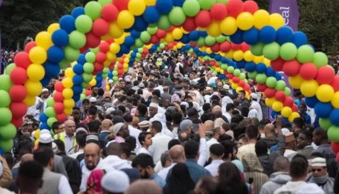 الإحتفال بالعيد