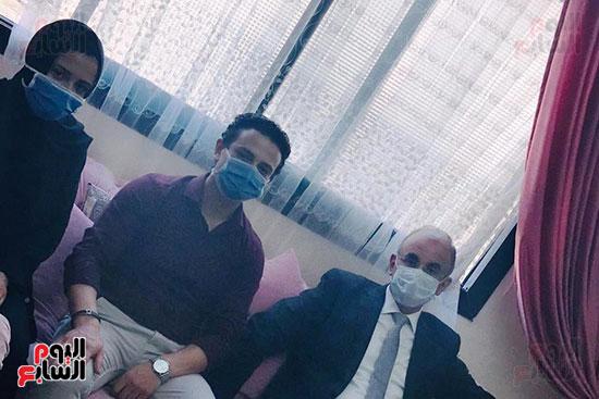 أسرة الممرضة عواطف عبد الصادق (1)