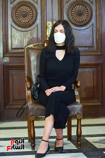 55359--رئيس-جامعة-القاهرة-يكرم-أسرة-شهيد-الجيش-الأبيض-بقصر-العينى-(9) - Copy