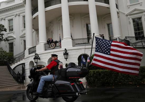 ترامب خلال مشاركته  حفل تكريم الأسرى والمفقودين من قدامى المحاربين