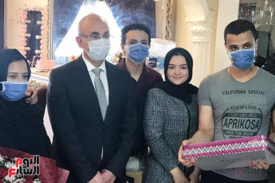أسرة الممرضة عواطف عبد الصادق (11)