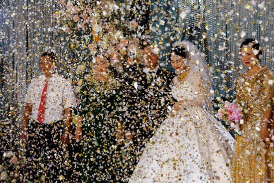 دخول العروسين إلى قاعة الحفل