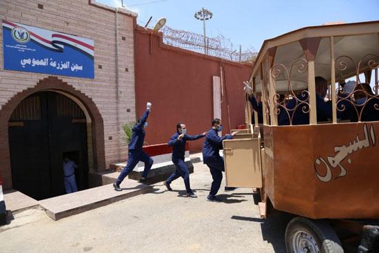 الداخلية تفرج عن 5532 سجينا استوفوا شروط العفو (4)