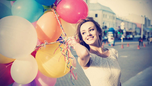 header_image_DIY-blow-up-balloons-_with-helium-at-home-fustany-MAIN-IMAGE1