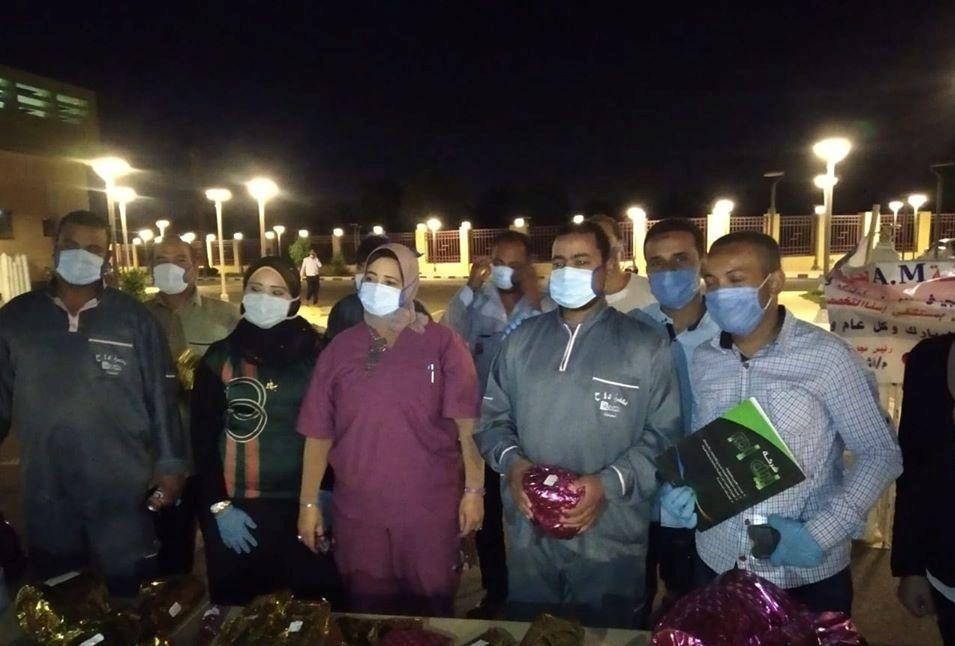 مديرة مستشفى إسنا للحجر تشيد بمجهود رجال النظافة والأمن