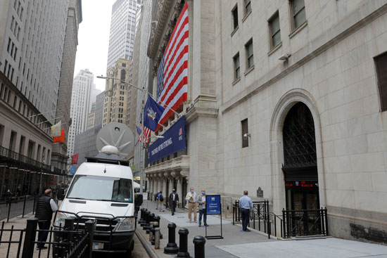 بورصة نيويورك تفتح أبوابها