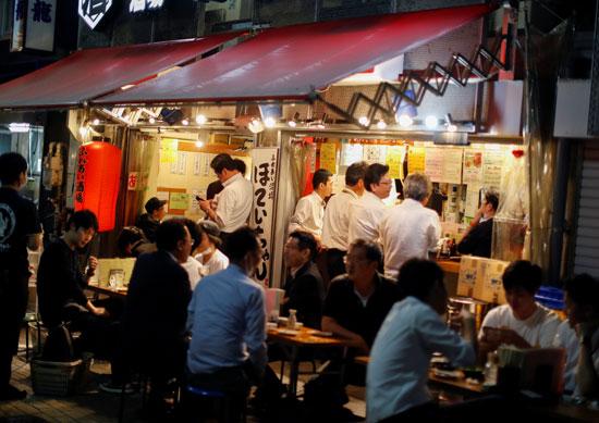 إقبال اليابانيون على المطاعم