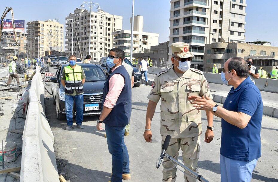 السيسى يتفقد الأعمال الإنشائية لتطوير الطرق والمحاور والكباري بشرق القاهرة (2)
