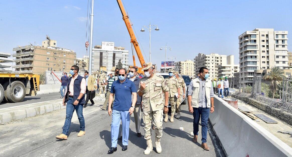السيسى يتفقد الأعمال الإنشائية لتطوير الطرق والمحاور والكباري بشرق القاهرة (5)