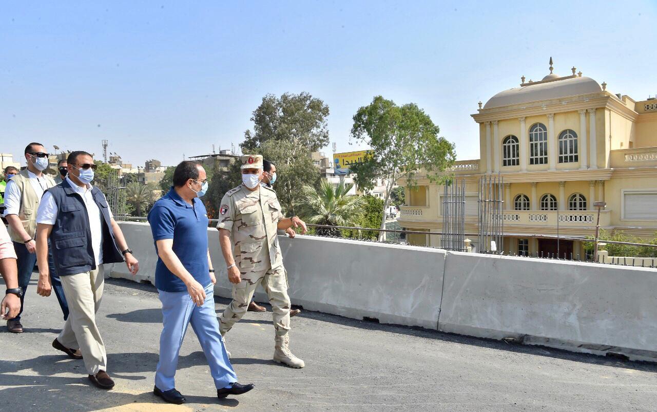 السيسى يتفقد الأعمال الإنشائية لتطوير الطرق والمحاور والكباري بشرق القاهرة (3)