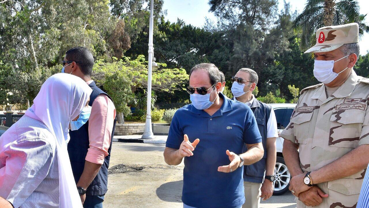السيسى يتفقد الأعمال الإنشائية لتطوير الطرق والمحاور والكباري بشرق القاهرة (4)