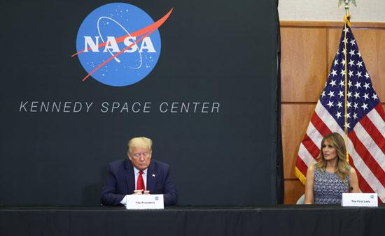 الرئيس الأمريكى وميلانيا ترامب فى مركز كنيدىللفضاء