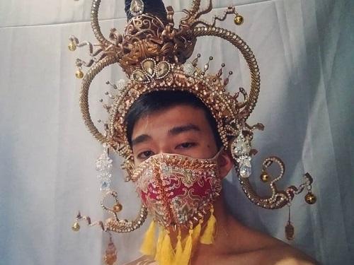 قناع كينيدي جاسبر مستوحى من تايلاند