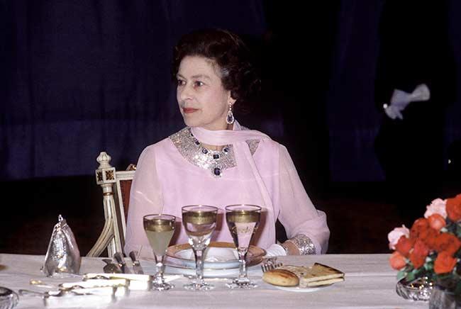 عادات الملكة إليزابيث الغذائية