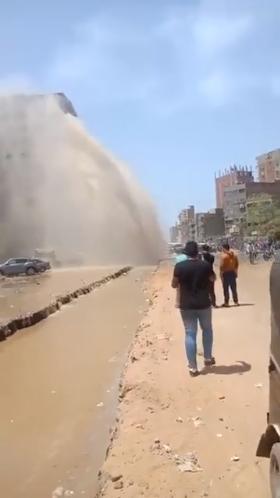 كسر ماسورة مياه بالمطرية (6)