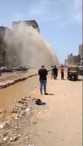 كسر ماسورة مياه بالمطرية (7)