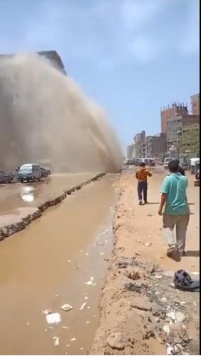 كسر ماسورة مياه بالمطرية (10)
