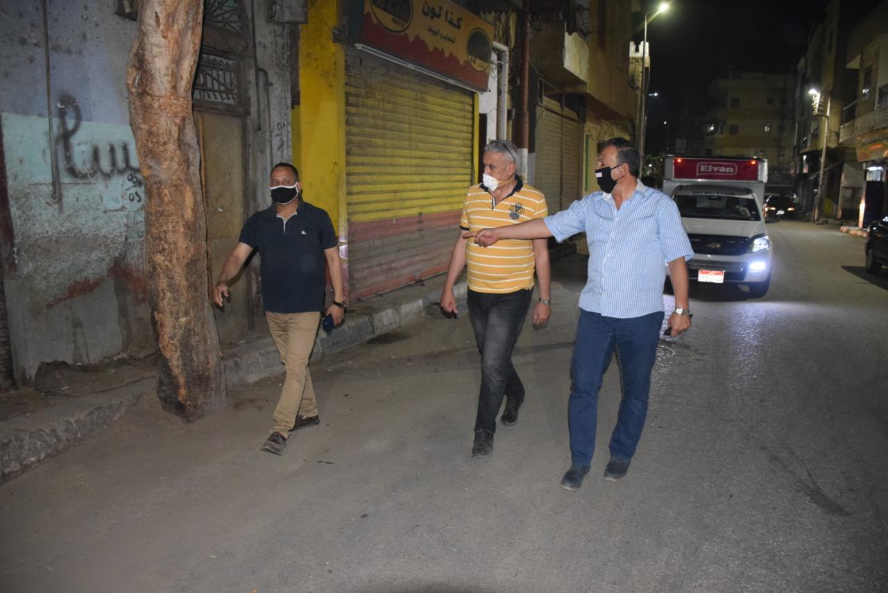 1 سكرتير محافظة الأقصر يقود جولة لمتابعة حملات النظافة والتجميل ليلاً