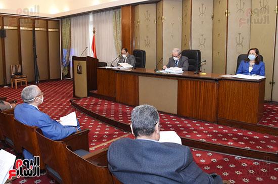 اجتماع لجنة الخطة والموازنة (2)
