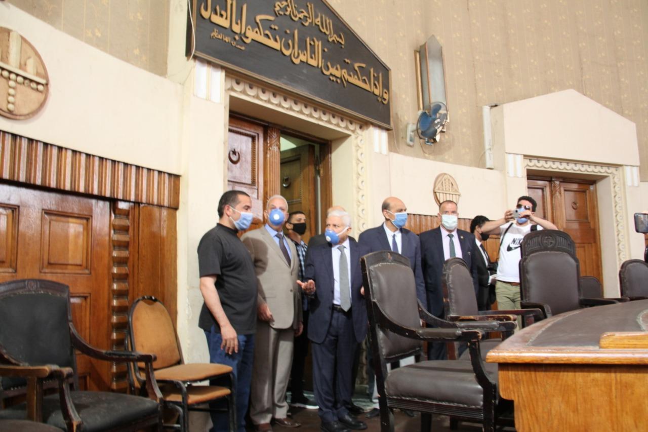 رئيس محكمة النقض يتفقد سير العمل بالمحكمة (5)