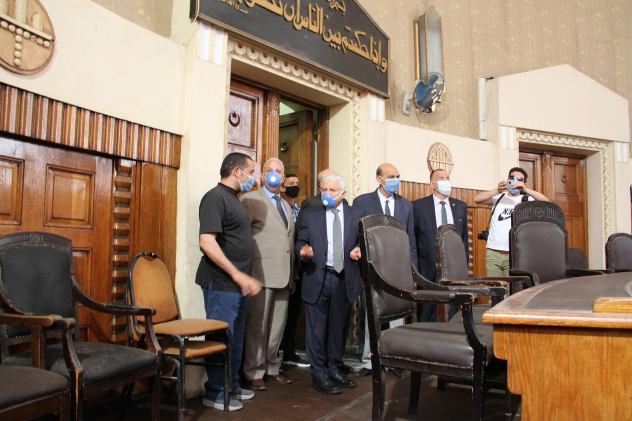 رئيس محكمة النقض يتفقد سير العمل بالمحكمة (3)
