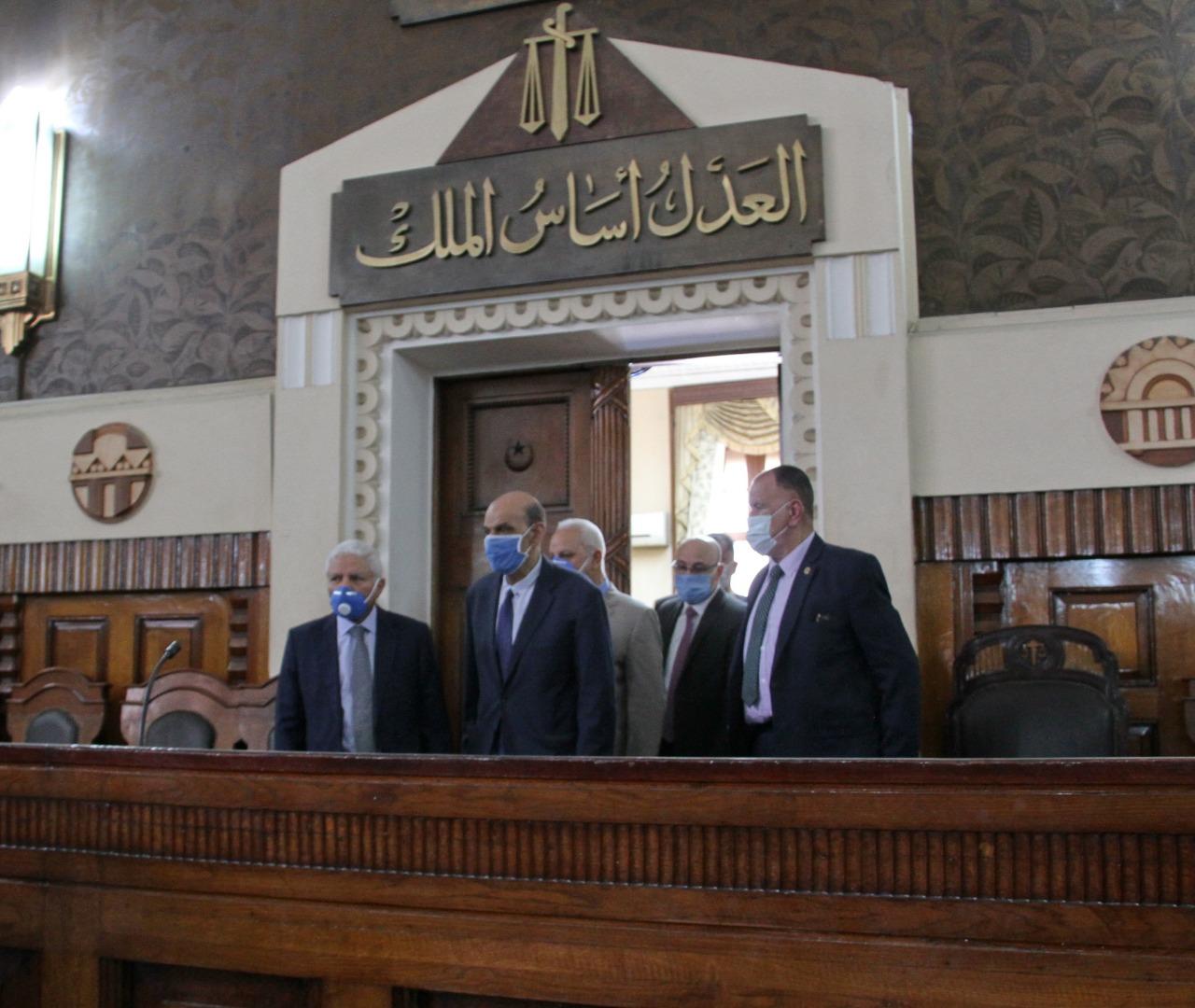 رئيس محكمة النقض يتفقد سير العمل بالمحكمة (9)