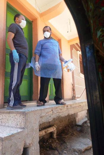 عزل الحالات المخالطة لمدير عزل أبو قير السابق بكفر الشيخ (10)