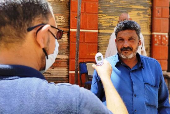 عزل الحالات المخالطة لمدير عزل أبو قير السابق بكفر الشيخ (2)