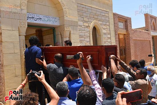 جنازة حسن حسني  (17)