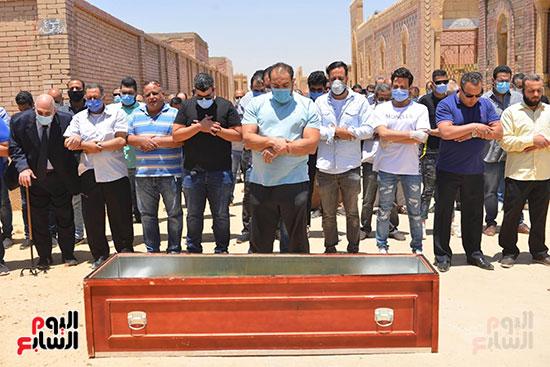 جنازة حسن حسني  (11)