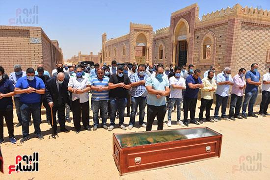 جنازة حسن حسني  (13)