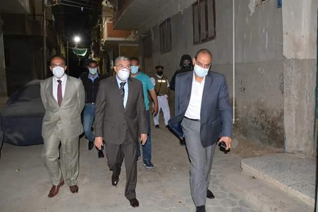 جولة محافظ المنيا على الشوارع والمحال  (3)