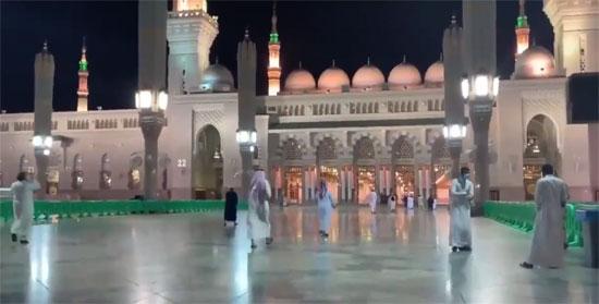 المسجد النبوى يستقبل المصلين