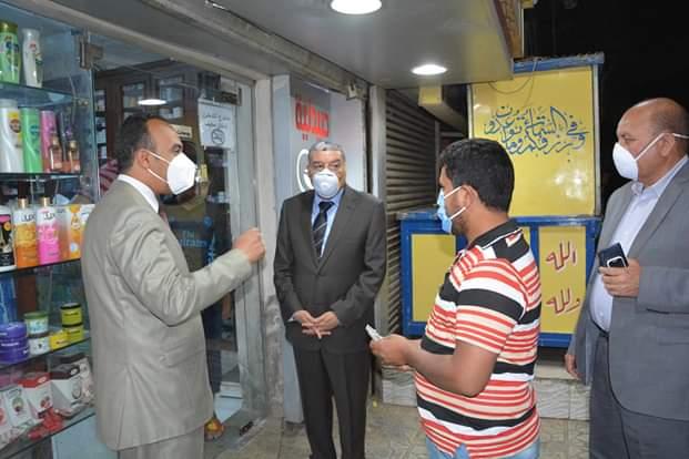جولة محافظ المنيا على الشوارع والمحال  (1)