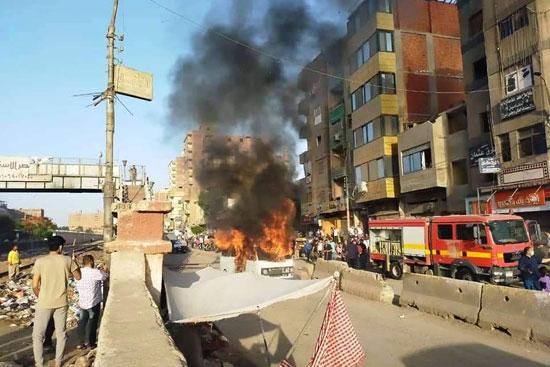 السيطرة على حريق سيارة بقليوب  (3)